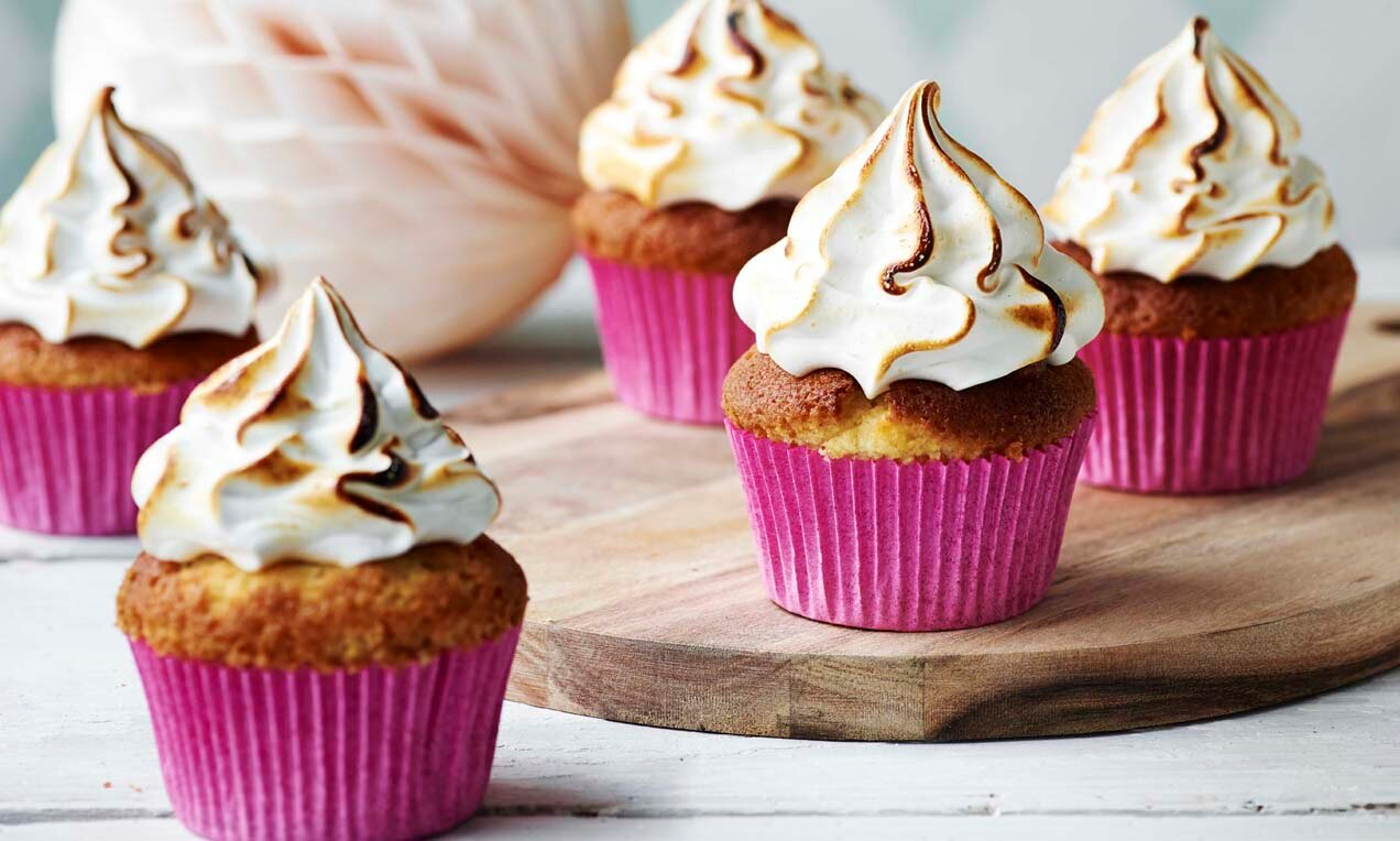 smores cupcakes med rabarberkompot marshmallow topping